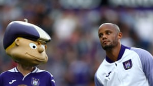 Anderlecht player-manager Vincent Kompany (right)