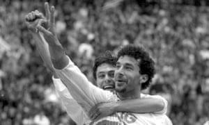 Gianluca Vialli celebrates scoring Sampdoria's second goal.