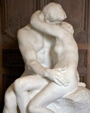 gay-kiss-make-out