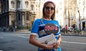 Camila Carril street style.