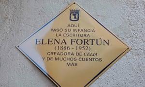Memorial to Elena Fortún in Madrid.