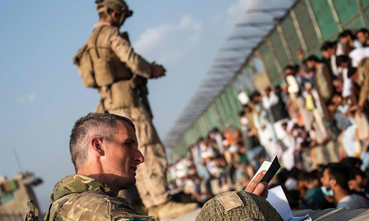 News • US Soldiers Prepare Living Areas for Afghan Evacuees in Germany