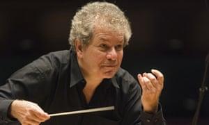 Jiri Belohlavek conducting the BBC Symphony Orchestra in 2011.