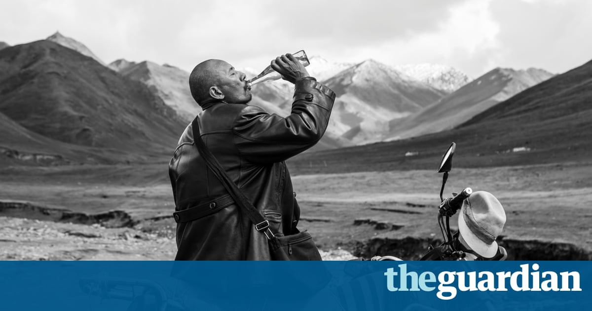 the struggles of the tibetans in the movie kundun