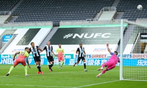 Dwight Gayle of Newcastle United misses from close range.