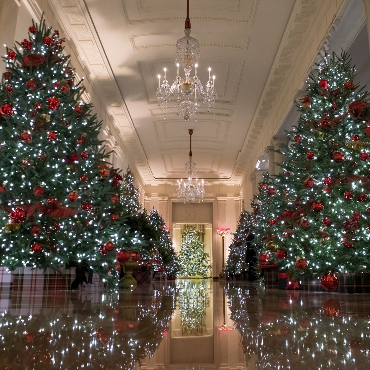 Melania Trump Swaps Horror For Tradition With Lighter Approach To Christmas Decor Melania Trump The Guardian