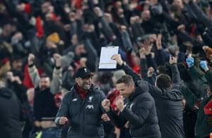 Liverpool manager Jürgen Klopp reacts after Mohamed Salah scores.