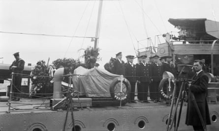 The coffin carrying the Unknown Warrior arrives in Dover in 1920