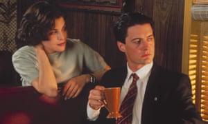 Sherilyn Fenn and Kyle Maclachlan in Twin Peaks.
