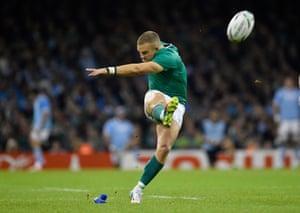 Madigan kicks the penalty.