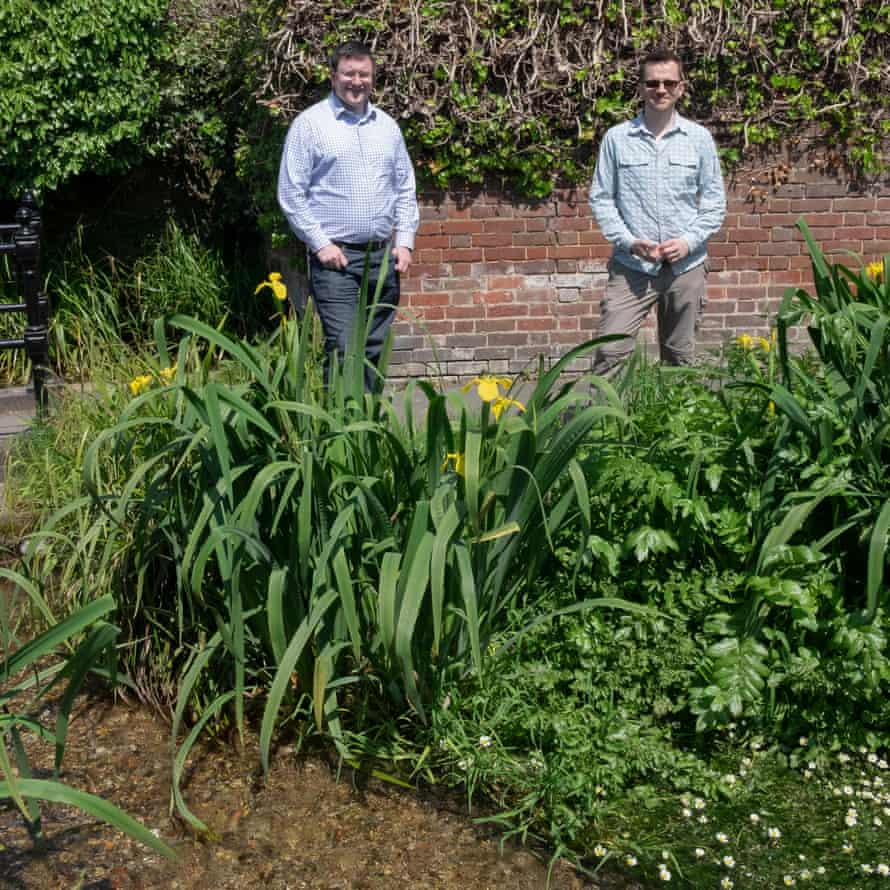 Jake Rigg, of Affinity Water, on left, and Allen Beechey, by the River Chess.
