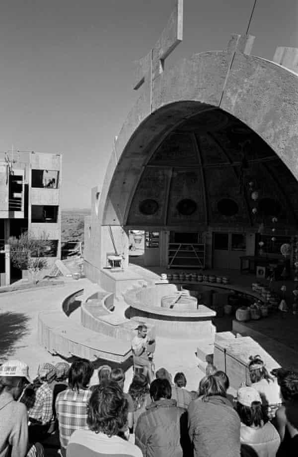 A casting workshop at Arcosanti in 1977