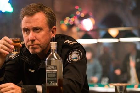 Tim Roth as sheriff Jim Worth in Tin Star.