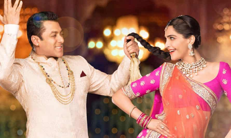 Salman Khan and Sonam Kapoor star in Prem Ratan Dhan Pay, the second-highest grossing Bollywood film of 2015.