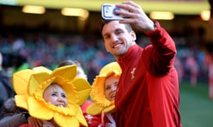 Sam Warburton posing with fans during Wales training last year.
