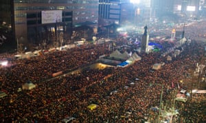 Hundreds of thousands of South Koreans attend a rally in Seoul to demand that President Park Geun-hye step down.
