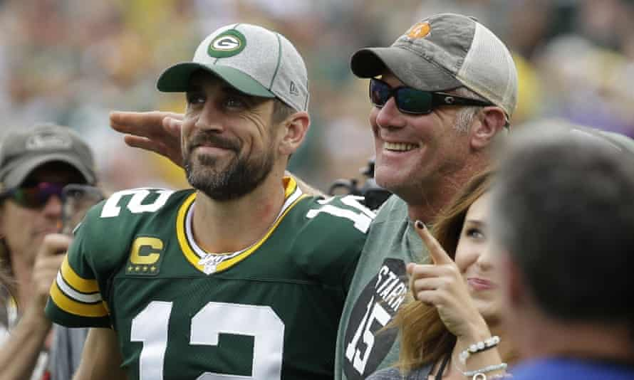 Aaron Rodgers and Brett Favre together before a Green Bay Packers game in 2019