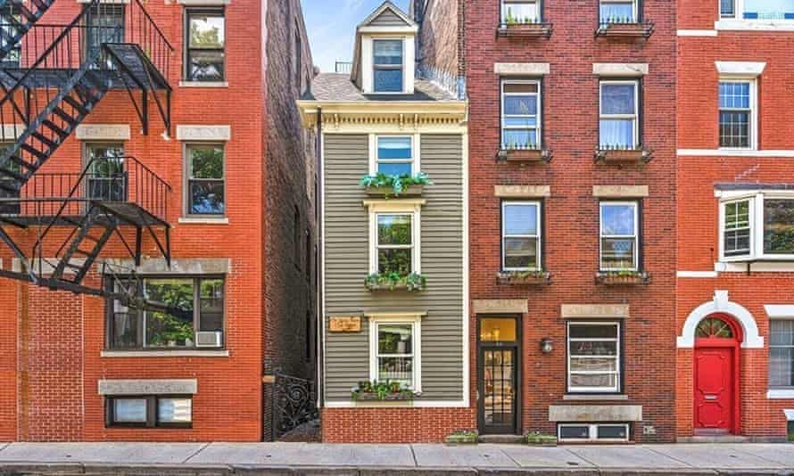 Boston's famous 'spite house', also known as the 'skinny house'.