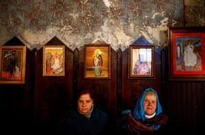 Travnik, Bosnia and Herzegovina: Faithful attend church on the eve of Orthodox Christmas