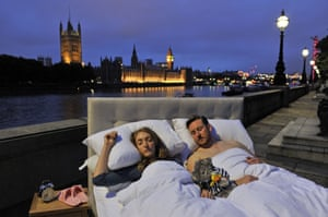 Londoners snuggle up to enjoy the city's first silent night, after Big Ben's bongs sounded for the last time in four years