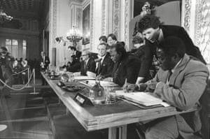 1979: A British-brokered all-party talks at Lancaster House in London lead to a peace agreement and new constitution guaranteeing minority rights