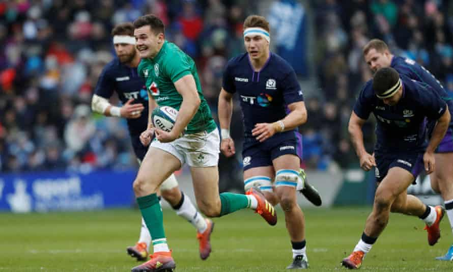 Jacob Stockdale leaves Scotland's defence trailing for the second try.