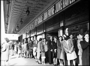 A queue for the Regent Theatre in 1946