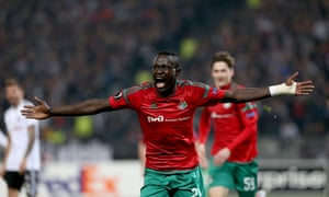 Oumar Niasse has scored 12 goals and provided 10 assists in 21 games for Lokomotiv Moscow this season.