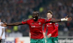 Oumar Niasse celebrates scoring for Lokomotiv Moscow against Besiktas