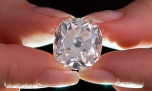 Diamond Ring Bought For 10 At Car Boot Sale Goes For 657 000 Uk