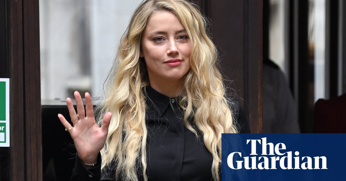 Johnny Depps lawyer calls Amber Heard a compulsive liar and abuser