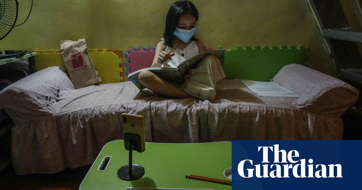 Crisis in Philippines as millions of children face second year of remote schooling