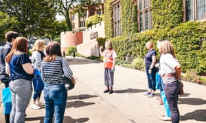 Students being shown around the University of Sheffield