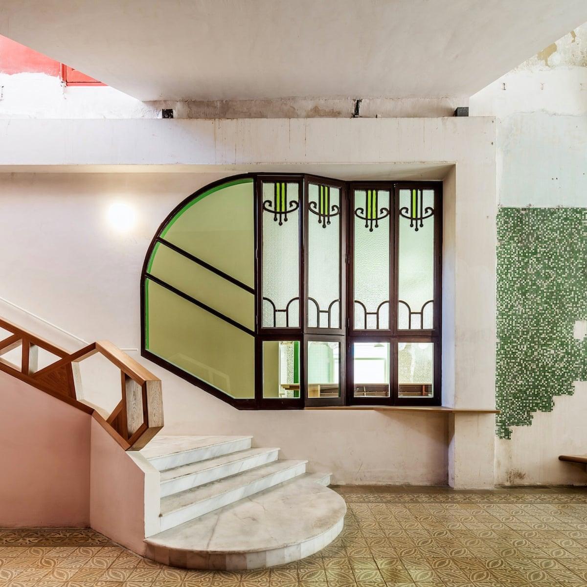 Piano Bar Per Casa sala beckett: barcelona's inspired homage to the playwright