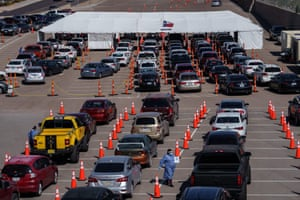 Cars line up for Covid-19 tests at the University of Texas El Paso on 23 October, 2020 in El Paso, Texas, as the city experiences a surge in new cases.