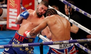 Tony Bellew takes control of his bout against David Haye.