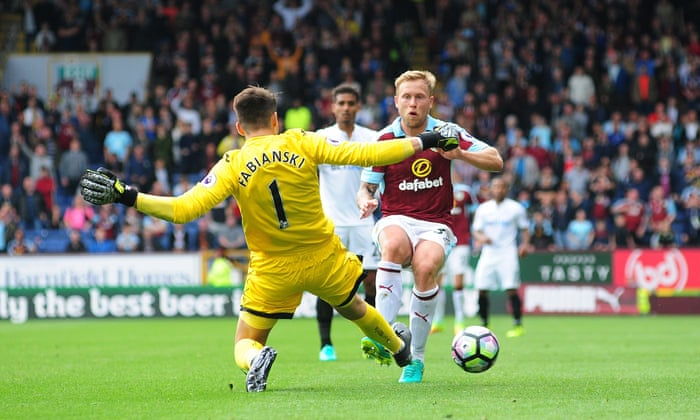 1aa4828b1b Leroy Fer's late goal for Swansea spoils Burnley's top-flight return |  Football | The Guardian