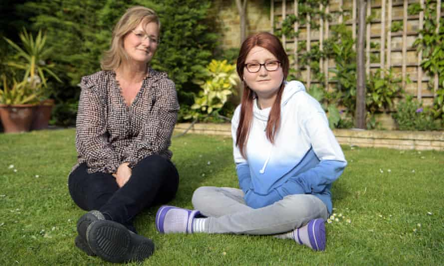 Isabelle Holdaway, 17, and her mother, Jo