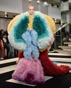 modelling the Tomo Koizumi giant dress