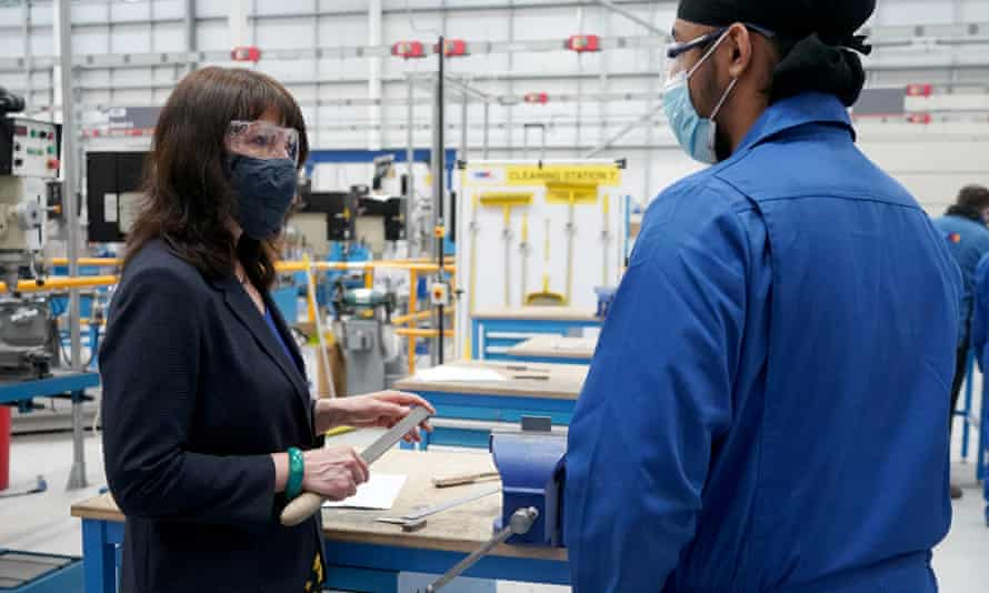 The shadow chancellor, Rachel Reeves, visits the Make UK technology hub in Birmingham