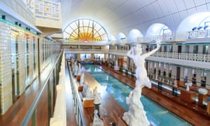 Roubaix (northern France): La Piscine (The Swimming-Pool), Museum of Art and Industry
