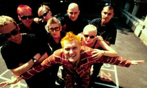 Alice Nutter (back, centre) with Chumbawamba in 1998.