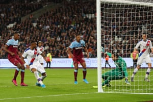 Ayew scores to put Palace in front.