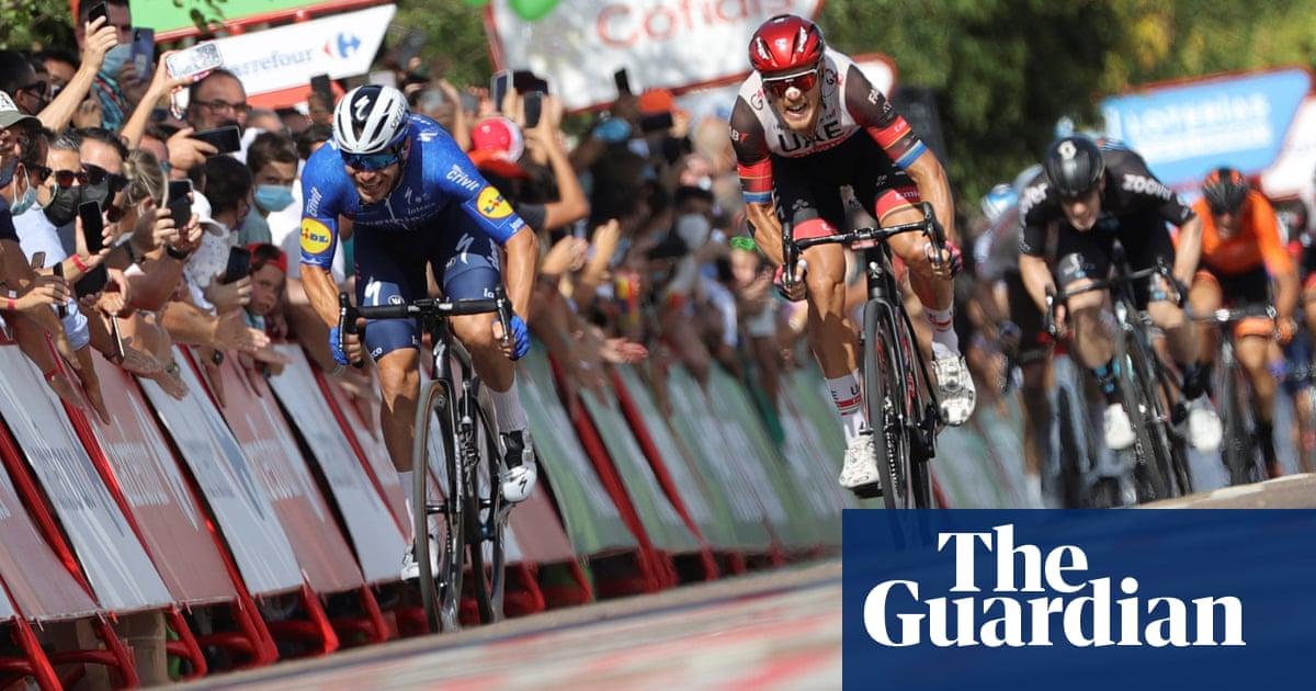 Sénéchal sprints to 'crazy' Vuelta stage win after teammate Jakobsen's flat tyre