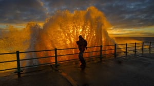 'Sunrise Through The Wave', by John Alderson, which has won the People category