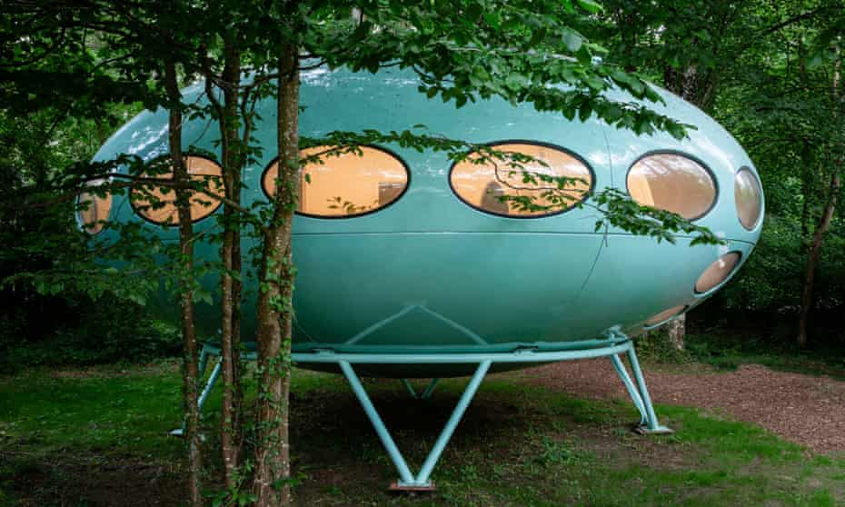 Spaceship in a wood