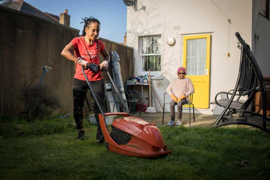 Jacquline Francis, helping Elaine, 68 in Peckham with her garden