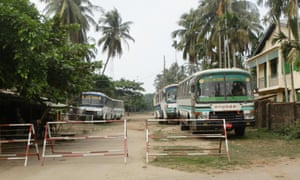 Police checkpoint to the Aung Ming Lar ghetto of Sittwe.