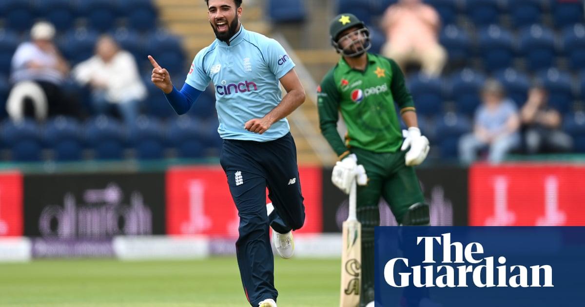 Makeshift England show depth by thrashing Pakistan in first ODI