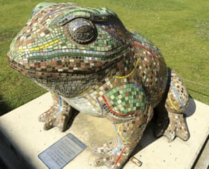The toad statue in Hull